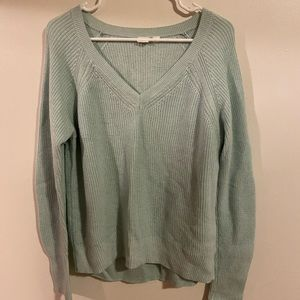 Gap v-neck knit sweater